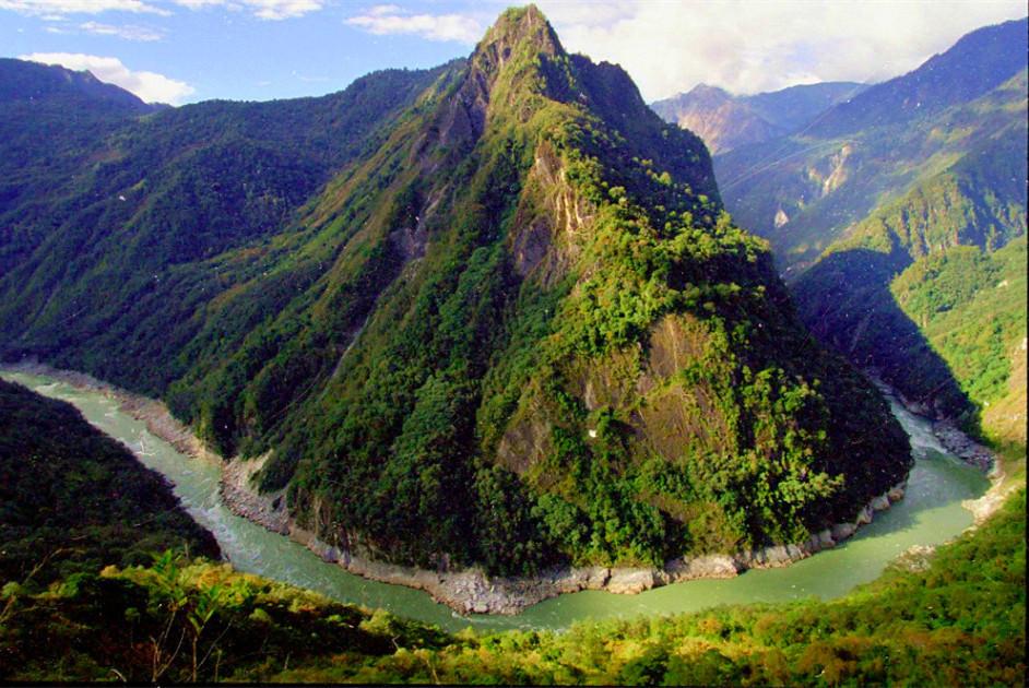 雅鲁藏布江峡谷大转弯